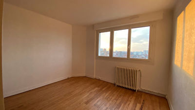 Location Appartement T2 - Quartier Chalet / Canal 8/11